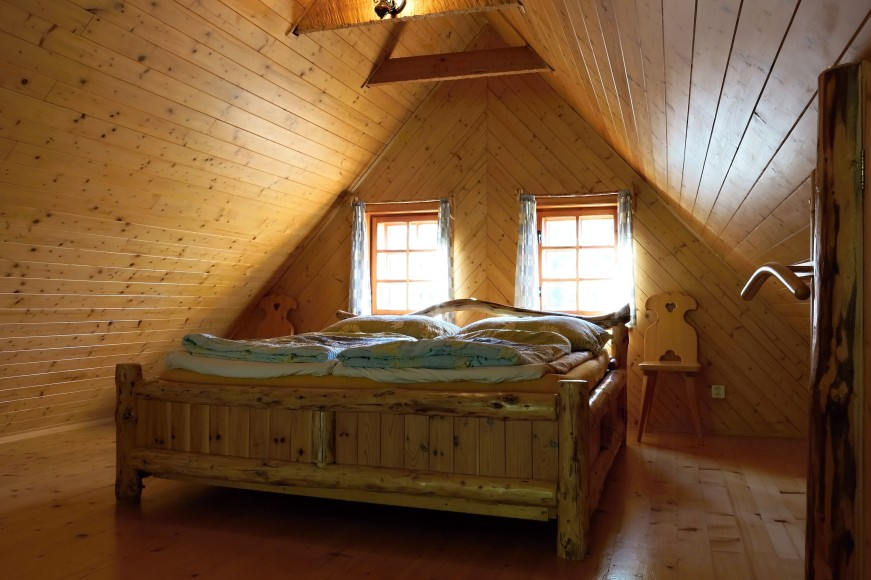 Roubená postel